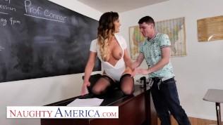 Порно с завучем в классе